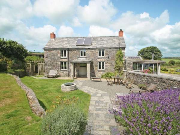 The Farmhouse Camelford Cornwall Self Catering