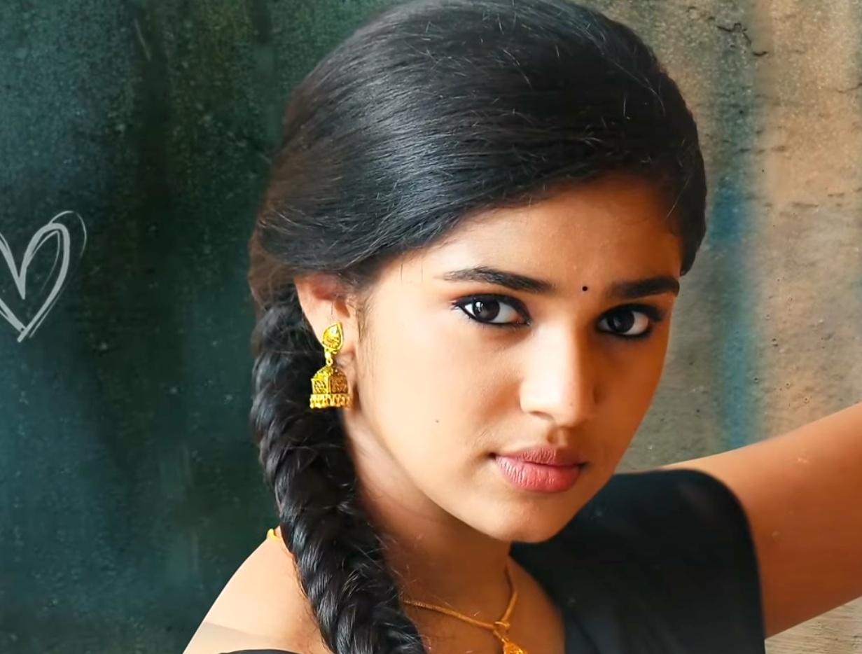 Uppena Heroine Krithi Shetty Images