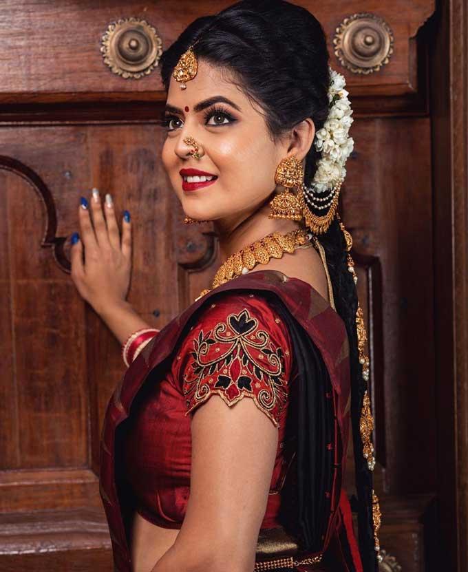 Telugu Serial Amrutha Varshini Actress Mansi Joshi Images