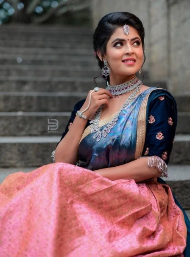 Amrutha Varshini Actress Mansi Joshi Images