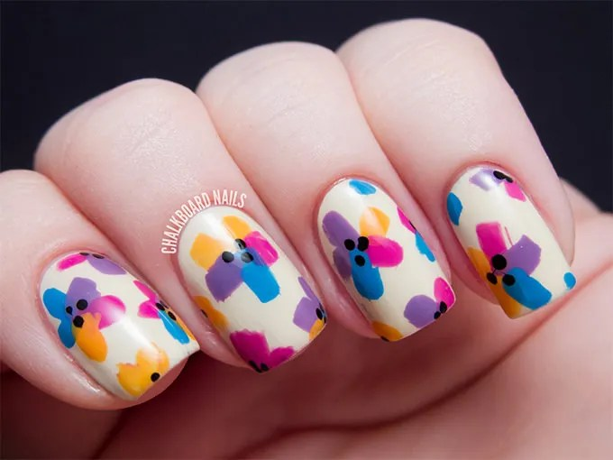 This Flower Nail Art Design Has Numerous Minute Detailing Which Makes It All The More Appealing A Dual Coloured Base And Tiny Flowers Leaves