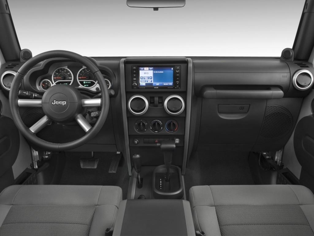 2010 Jeep Wrangler Dash