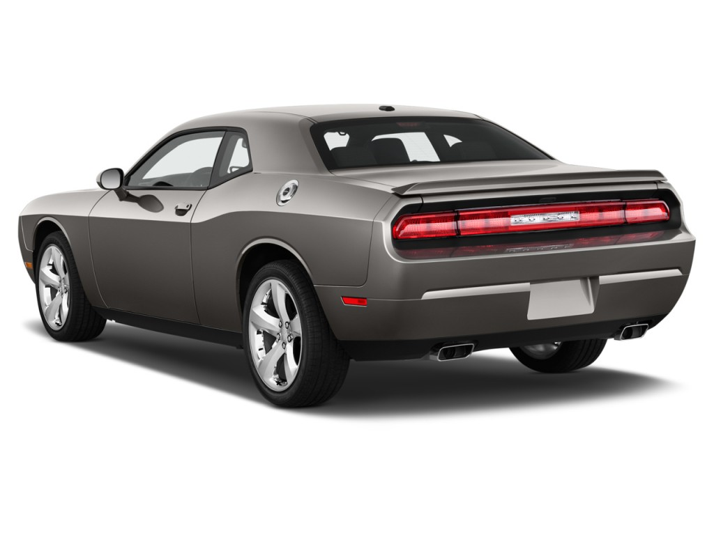 2013 Dodge Challenger 2door Coupe Rt Plus Angular Rear