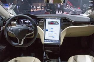 Tesla Model S P85D, 2015 Detroit Auto Show