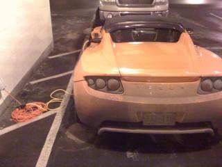 Tesla Roadster recharging at Denver International Airport, from SolarDave blog
