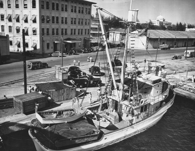 Black and white image of a fishing boat