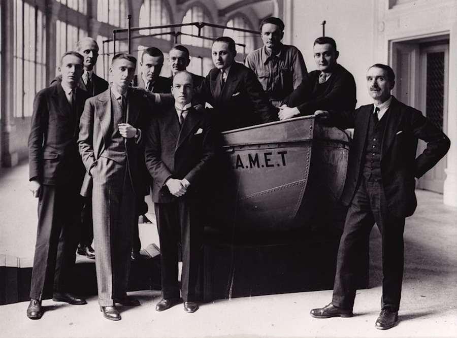 De gauche à droite: André Schaeffner, Jean Mouchet, Georges Henri Rivière, Michel Leiris, le baron Outomsky, Marcel Griaule, Éric Lutten, Jean Moufle, Gaston-Louis Roux, Marcel Larget Date May 1931