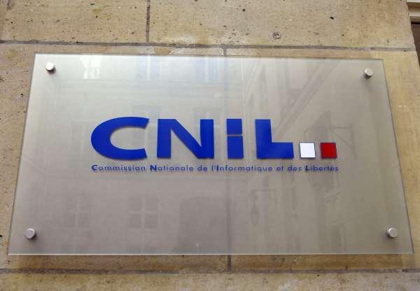Logo de la Commission nationale de l'informatique et des libertés (Cnil) fichage