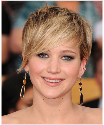 """The Latest Short Tapered """"Jennifer Lawrence"""" Hairstyles"""