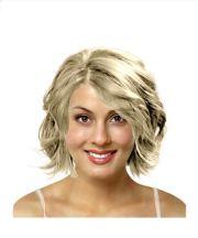 layered shoulder length haircut