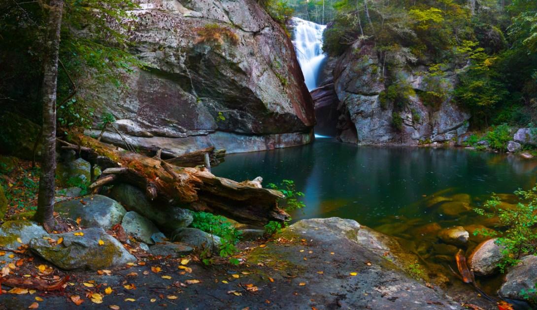 Fall Season Wallpaper Hike To Paradise Falls North Carolina