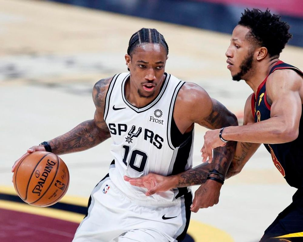 Johnson has 23 points, 21 boards as Spurs beat Cavs 116-110 | The Star