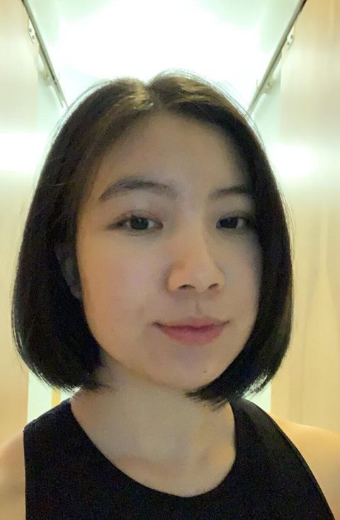 21-year-old Sally Zheng could not appoint her vaccine on Monday morning as she is an international student with no OHIP.  The system for booking vaccines proved difficult for her to navigate as Ontario opened up its booking system to those 18 and to those living in hotspots.
