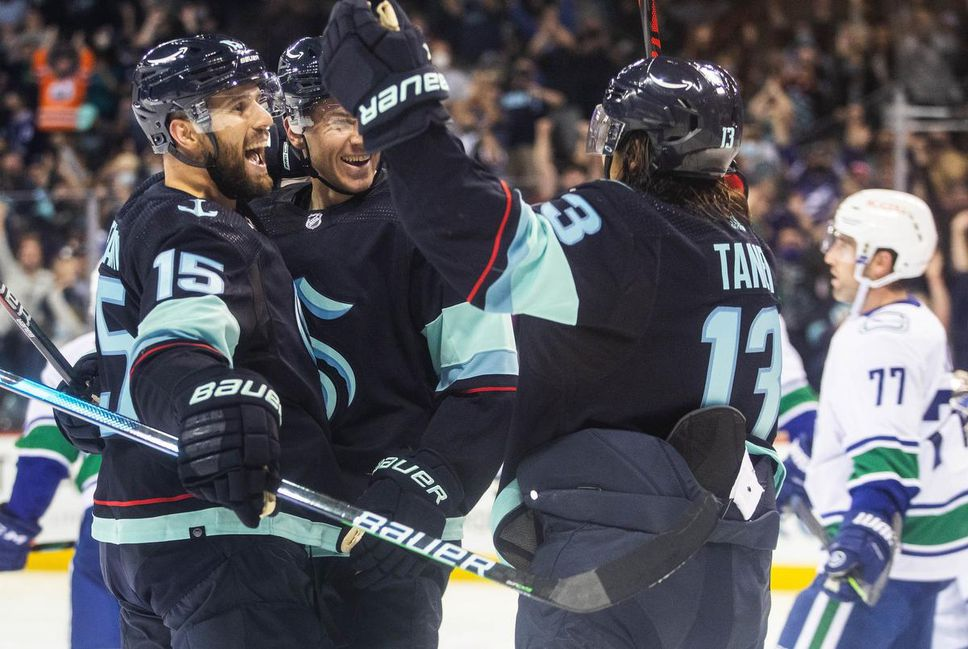 Riley Sheahan, left, and the Seattle Kraken get down to regular-season business on Tuesday night.