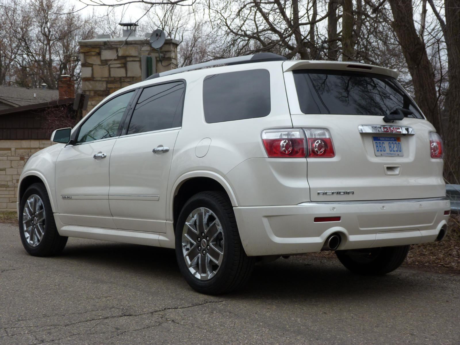 review 2011 gmc acadia denali the truth about cars. Black Bedroom Furniture Sets. Home Design Ideas
