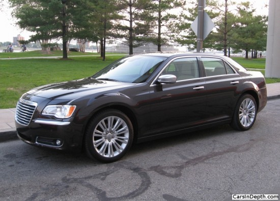 Chrysler 300 Luxury Series - photo courtesy of CarsInDepth.com