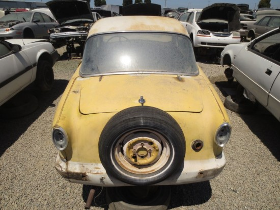 19 - 1960 Nash Metropolitan Down On the Junkyard - Picture courtesy of Murilee Martin