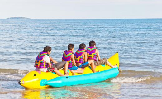 Banana Boat Ride, Kochi Flat 10% Off