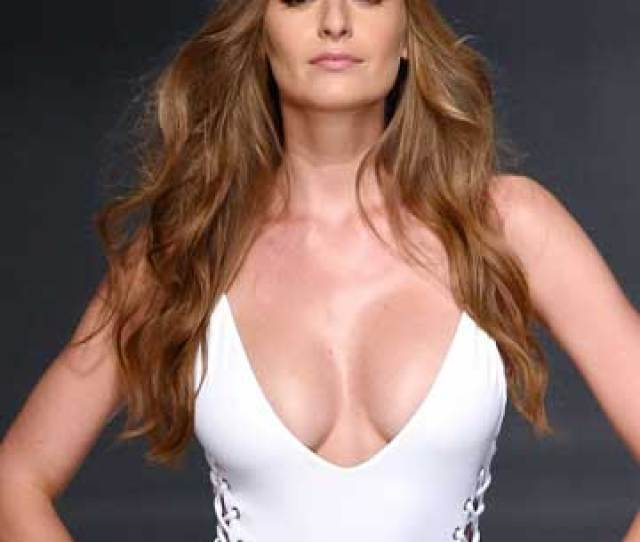 Having Large Breasts Isnt Always A Walk In The Park From Back Pain To Unwelcomed Ogling Big Boobs Pose Some Unique Challenges