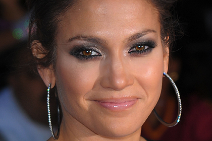 Jennifer Lopez Best Celebrity Makeup Looks for Brown Eyes