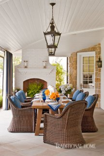 Southern California Home With Blue-and-white Palette