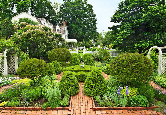 classic connecticut garden traditional