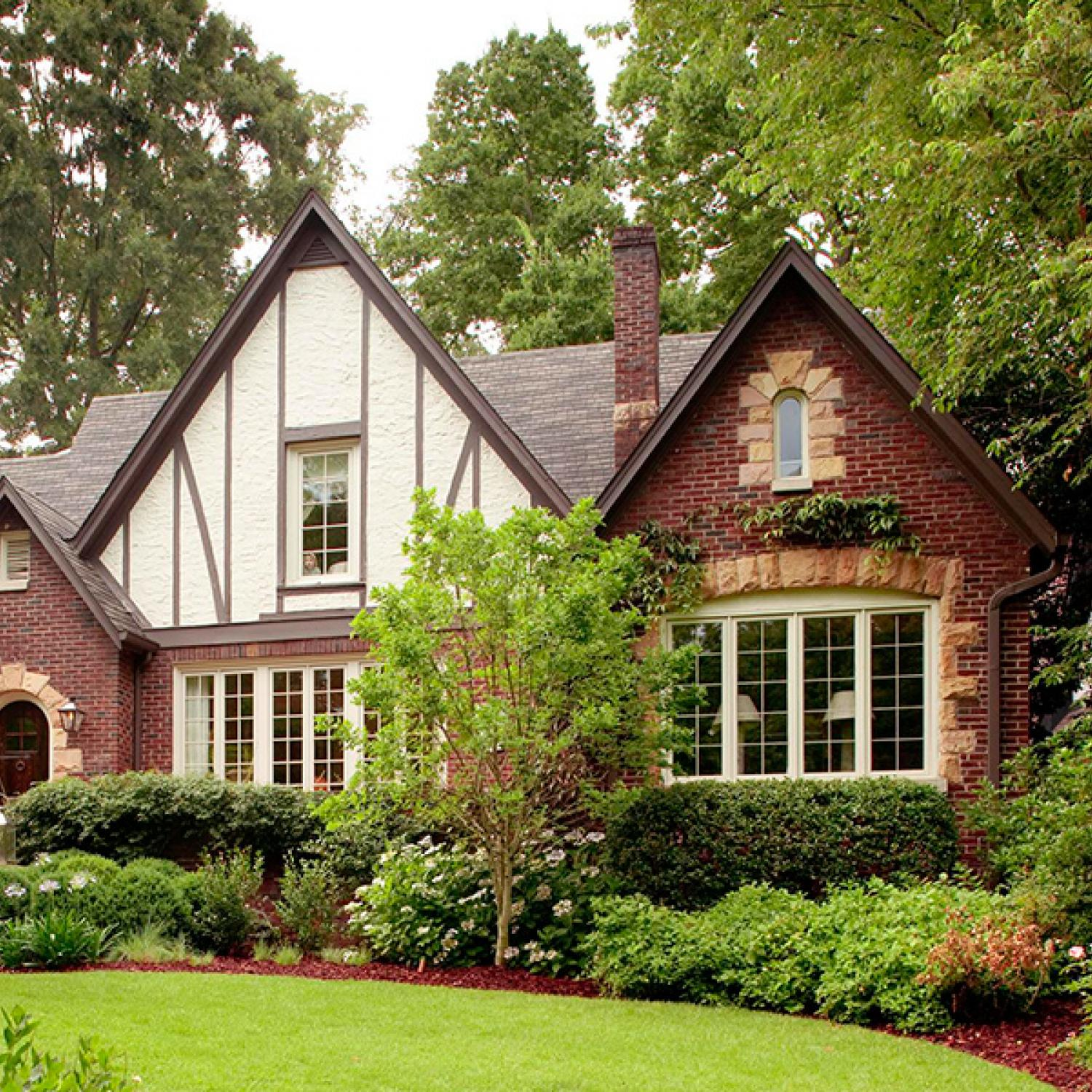 Tudor Style Homes Design