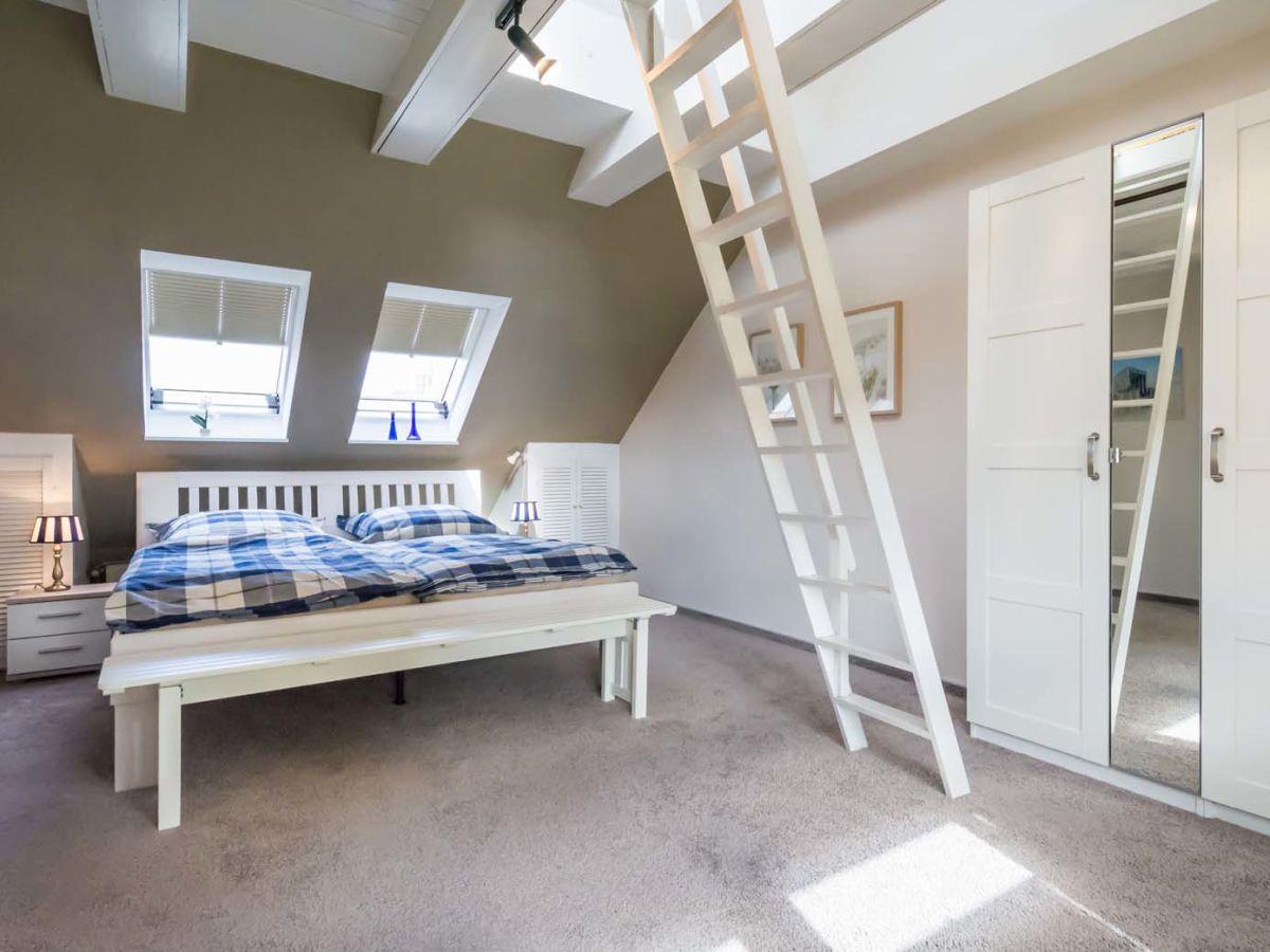 Dachgeschoss Schlafzimmer Bett Platzieren Dachschrage Im