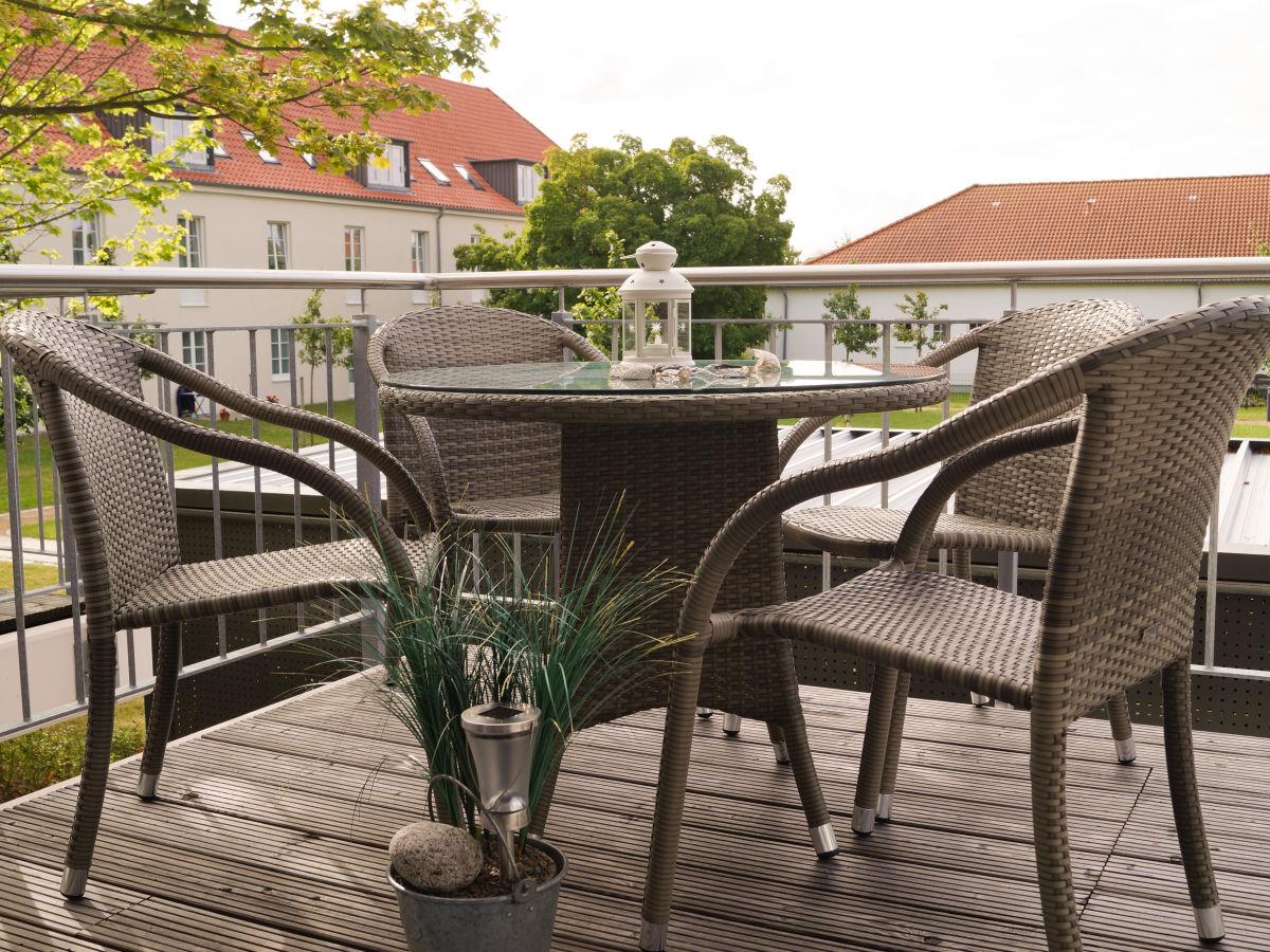balkon holzboden unterkonstruktion. Black Bedroom Furniture Sets. Home Design Ideas