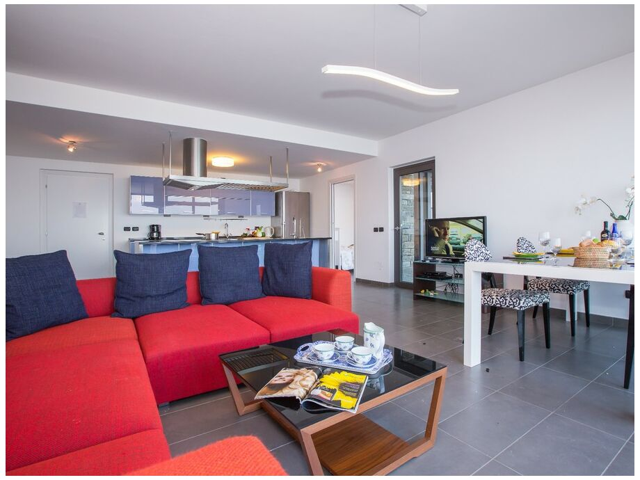 Ferienwohnung Sant Andrea Lago  278 Menaggio Comer See  Firma Happy Holiday Homes  Frau
