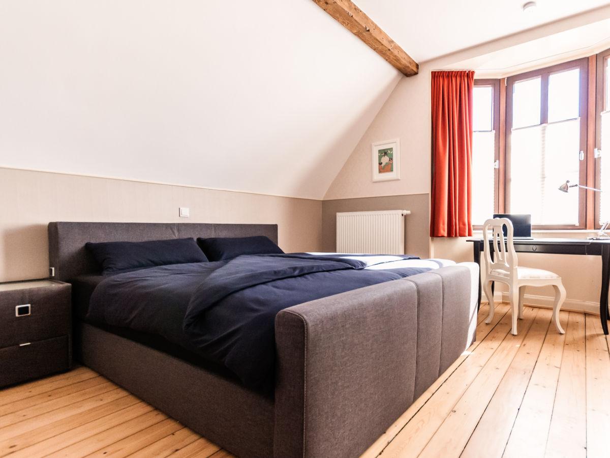 schlafzimmer im keller einrichten feng shui ideen. Black Bedroom Furniture Sets. Home Design Ideas
