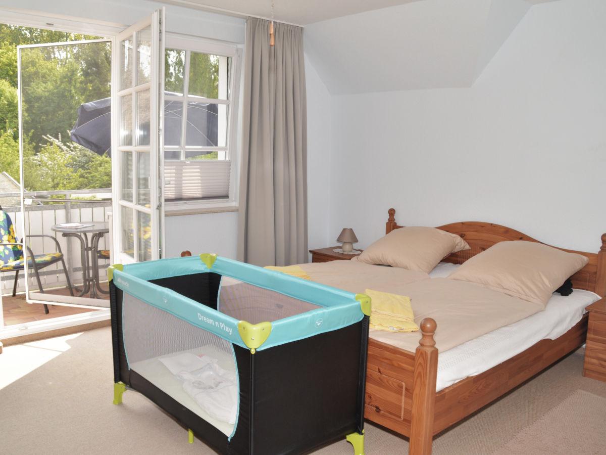 Schlafzimmer Gestalten Mit Babybett