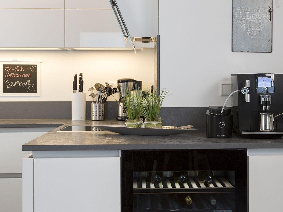Kleiner Weinkühlschrank : Weinkühlschrank wohnzimmer fröhlich auf sylt ferienhaus wellness