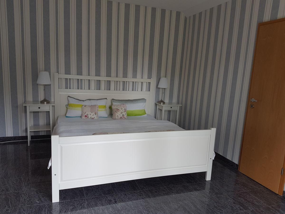 Schlafzimmer Mit Begehbarem Kleiderschrank Grundriss   Cross ...