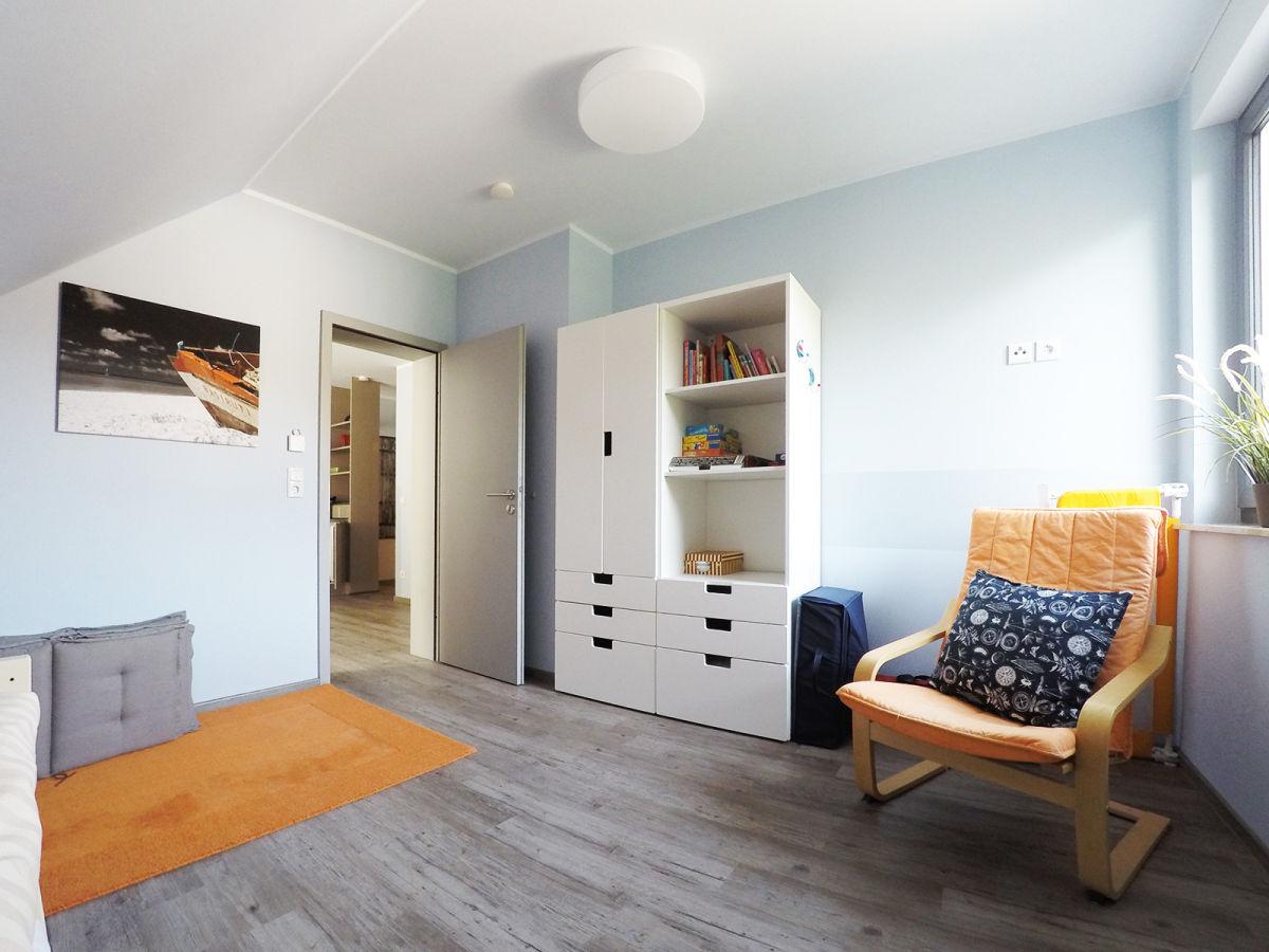 Kinderzimmer Mit Viel Stauraum Stauraum Und Sofa In Einem
