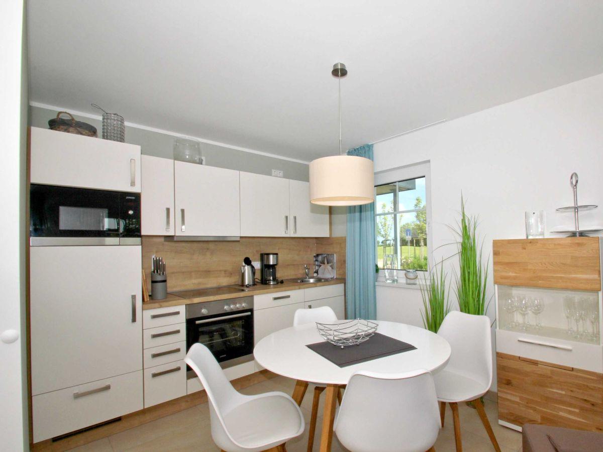 Moderne Wohnzimmer Mit Offene Kuche Modernes Und Funktionales