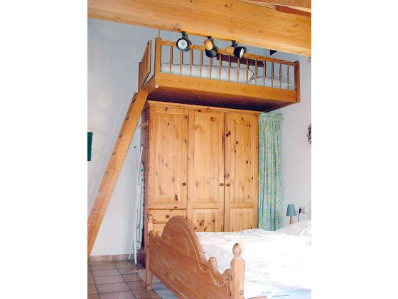 Hochbetten erwachsene kleine wohnung hochbetten fur for Design hochbett fa r erwachsene