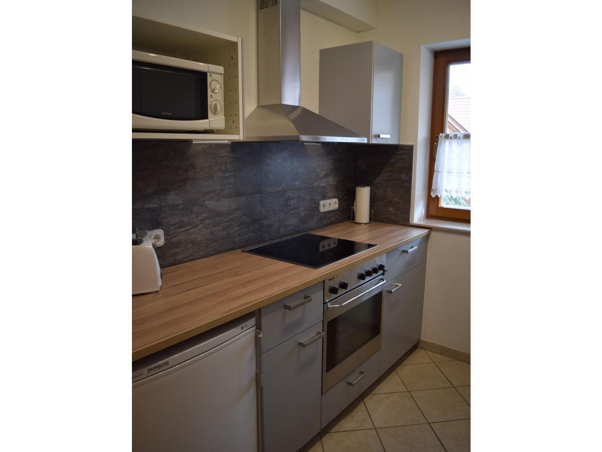 Miniküche Mit Kühlschrank Und Herd : Küche mit kühlschrank singlekÜche single küche küche miniküche mit