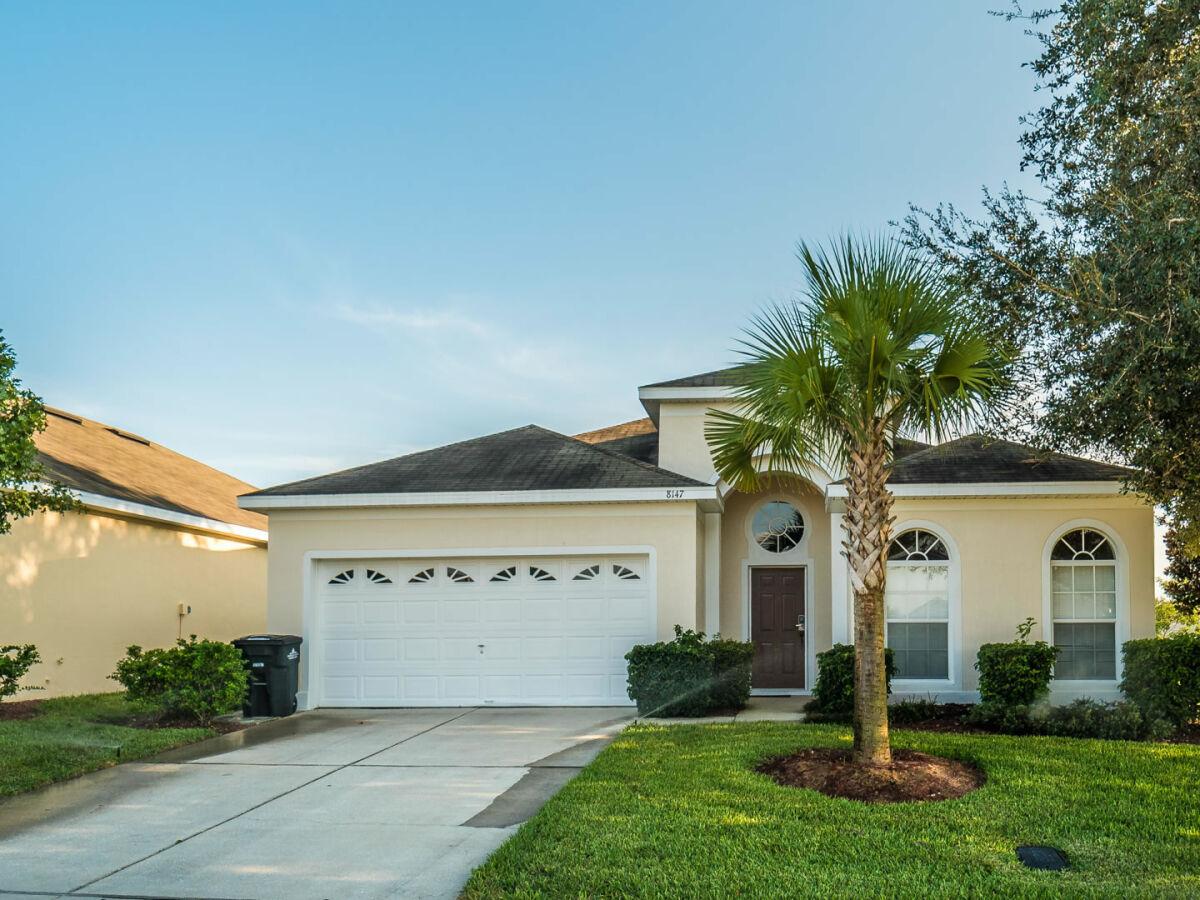 Holiday House 8147 Fan Palm Way Kissimmee Company Global