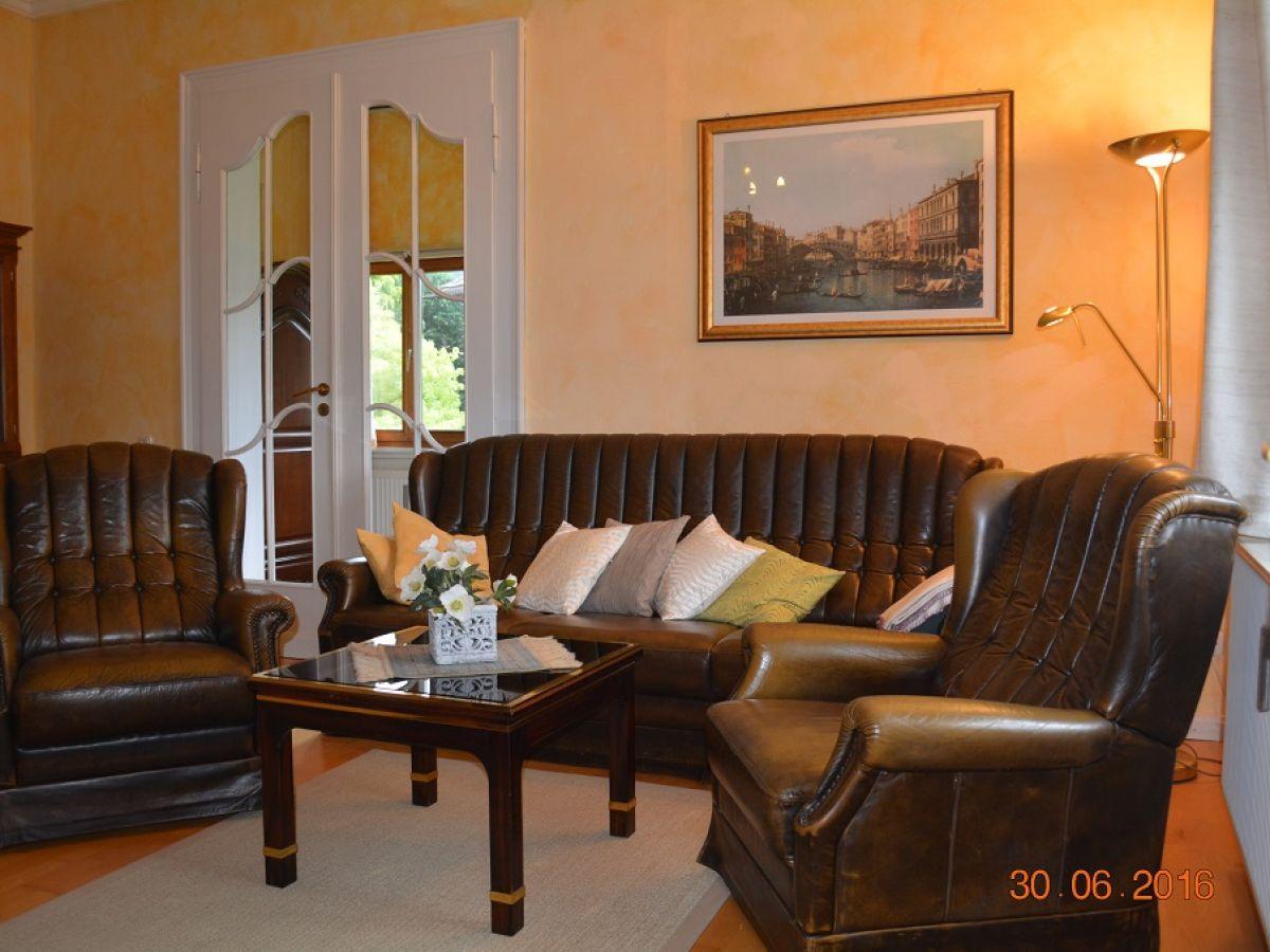 Sitzecke Wohnzimmer Ferienwohnung Baumhaus Harz Frau Regina Seeger