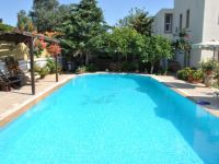 Ferienhaus Dorf-Steinhaus mit Pool, Rhodos - Frau Martina ...