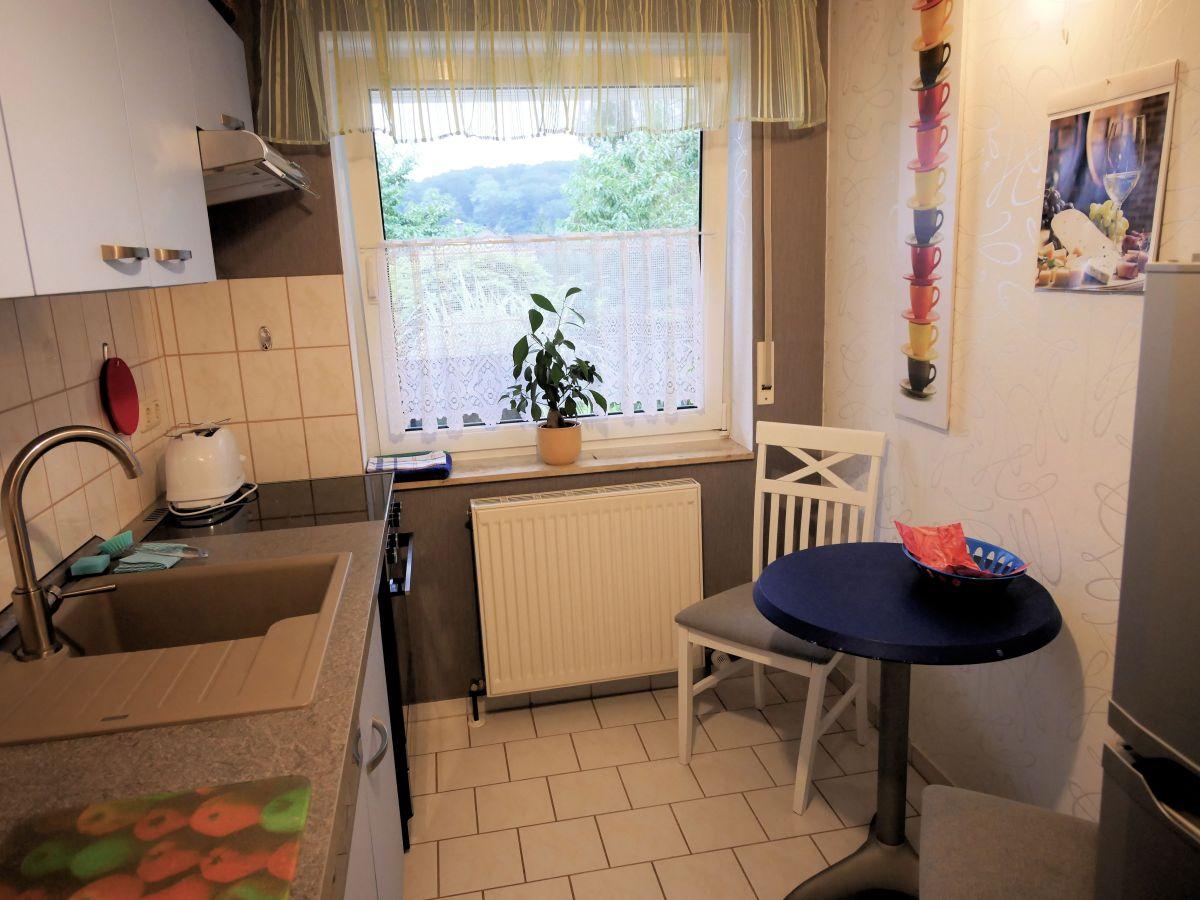 Kleine Kuche Mit Essecke Einrichten Kleine Wohnung Modern Und