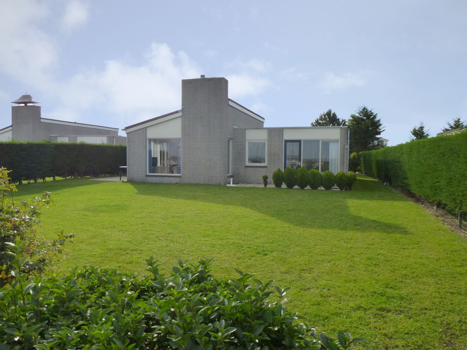 Helles Ferienhaus mit Kamin am Strand Zeeland Kamperland  Firma Ruiterplaat Ferien  Frau