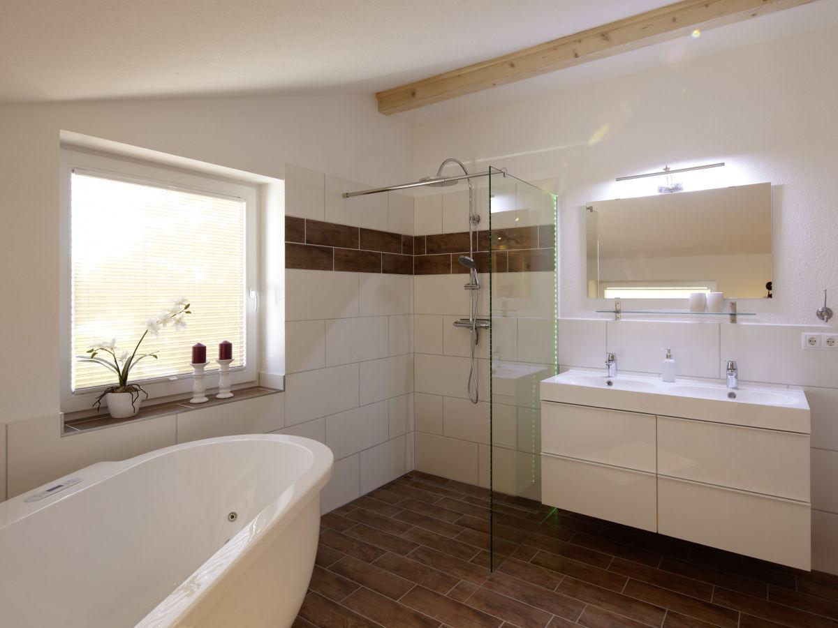 Badezimmer Unterschrank Zwei Waschbecken Ferienwohnung Gunnar