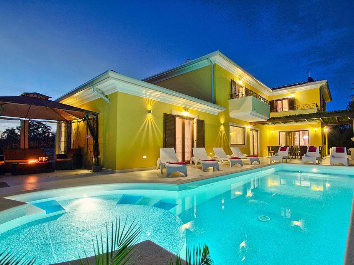 Charmant Villa Star Medulin Company My Istria