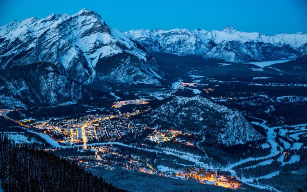 The town of Banff in the evening