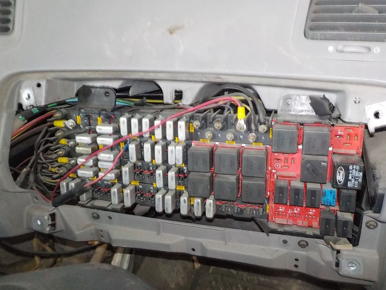 hight resolution of fuse box for 1990 ford l9000 wiring diagrams terms fuse box for 1990 ford l9000