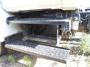 2006 HINO 268 Battery Boxes vmSYIIJxhxic_b?resize\=300%2C225\&ssl\=1 hino 268 fuse box diagram 2012 hino trucks \u2022 45 63 74 91 hino 268 fuse box diagram at fashall.co