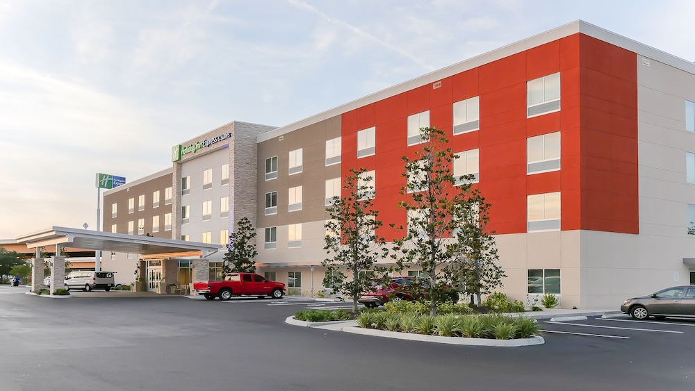 Holiday Inn Express Suites Tampa East Ybor City In Tampa