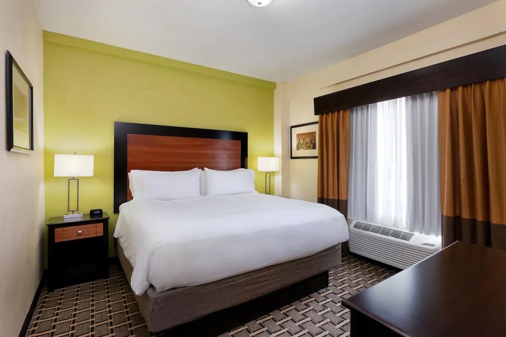 Holiday Inn Express And Suites Atlanta Downtown Atlanta